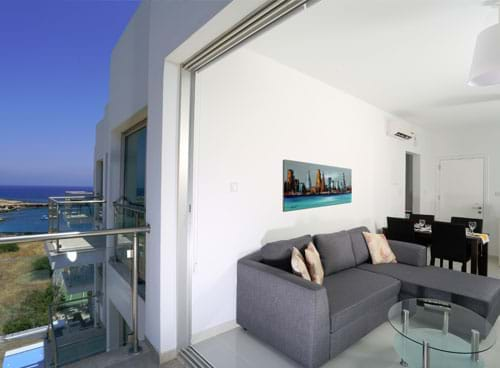 One-Bedroom-Apartment-Mountain-View 02